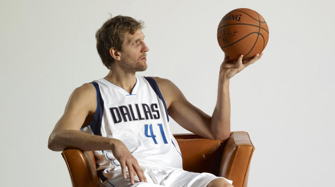 Dirk Nowitzki does his best Donald Trump impression