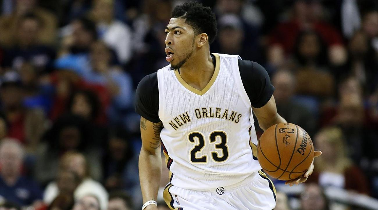 Pelicans' Anthony Davis sustains concussion vs. Rockets IMAGE