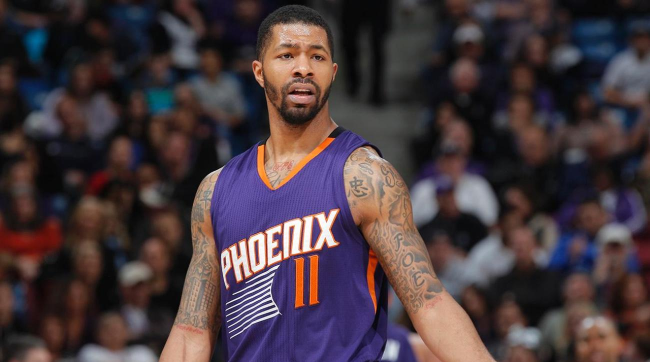 Markieff Morris shoved, choked teammate on bench