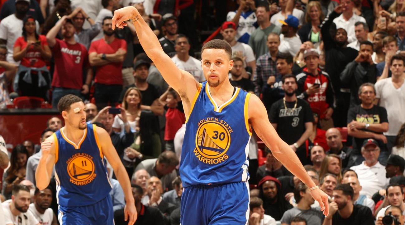 Steph Curry ties record for consecutive games with a three