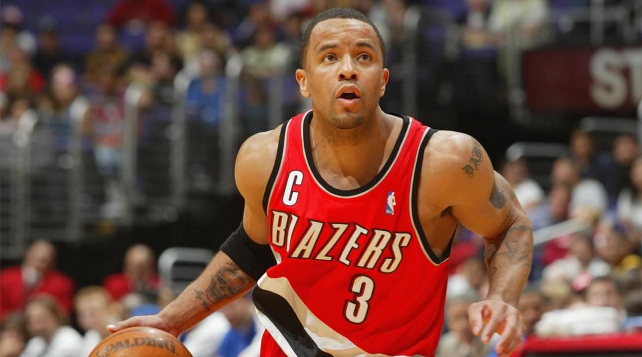 Report: Damon Stoudamire will accept Pacific head coach job IMAGE