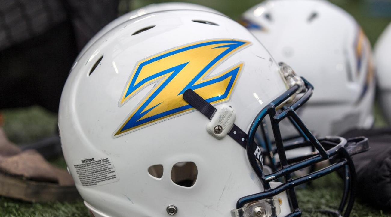 Akron player mistakes teammate for burglar, accidentally shoots him IMAGE