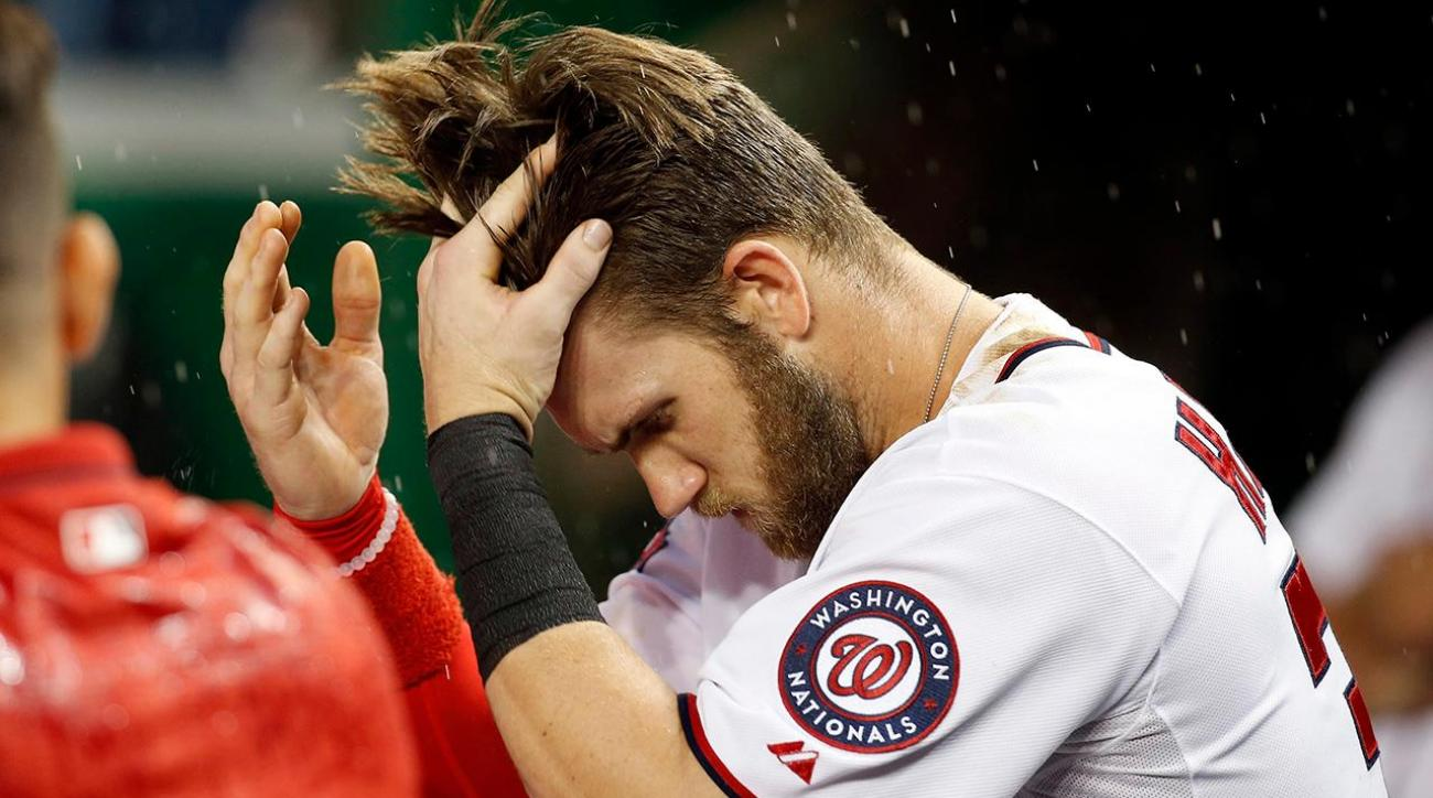 Bryce Harper gives haircuts to the Little Nats