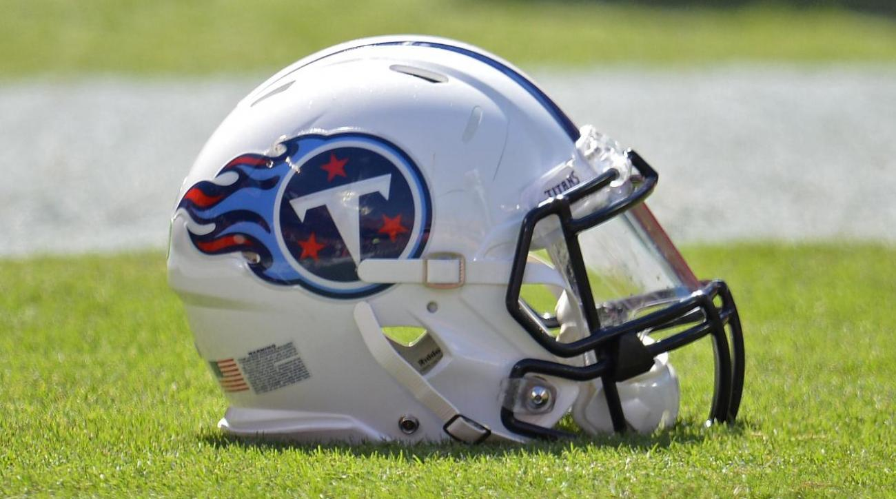 Report: Titans GM trying to trade up from No. 15 draft pick IMAGE