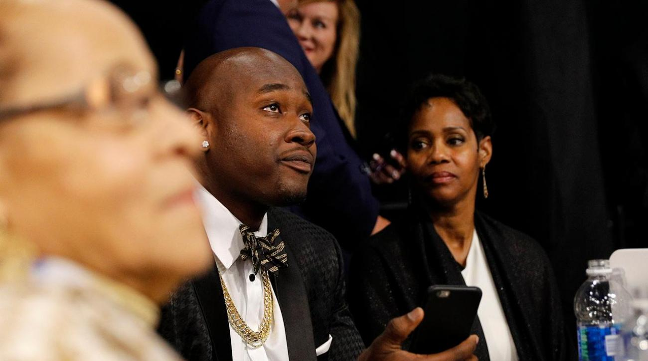 Report: Ole Miss verifies Laremy Tunsil texts, will check for alterations IMAGE