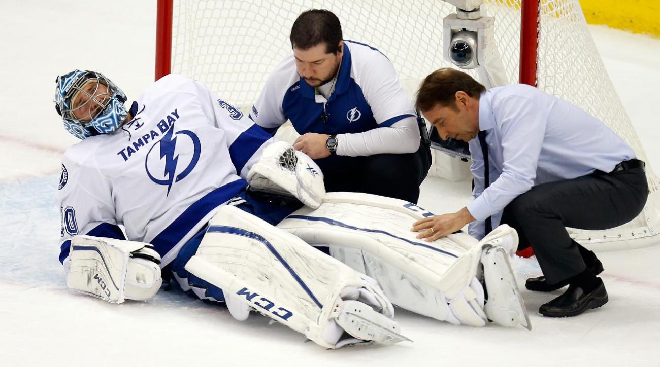 Lightning goalie Ben Bishop taken off ice on stretcher in Game 1