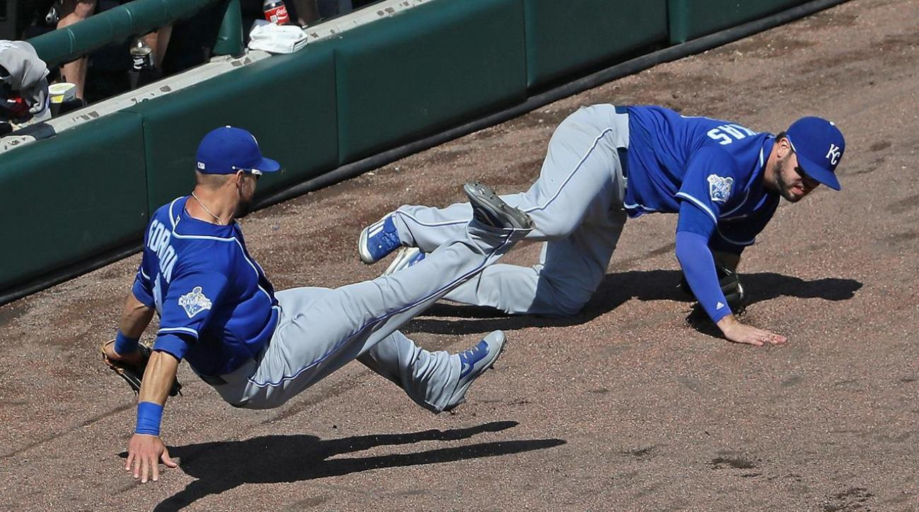 Royals' Mike Moustakas out for season with torn ACL IMAGE