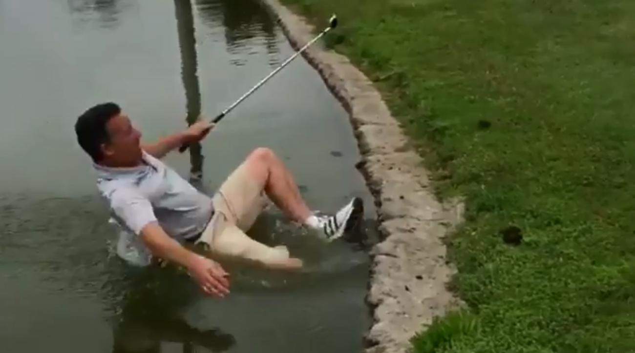 Mustard Minute: Teemu Selanne filmed his friend falling in water while golfing and it was hilarious IMG