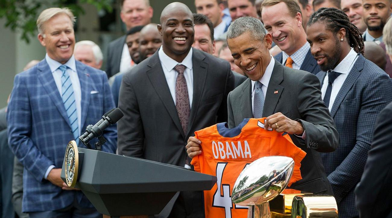Obama welcomes Broncos to White House, teases Manning