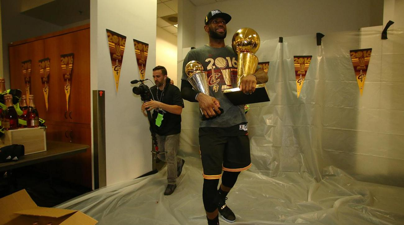 Lebron James declines player option, will become free agent