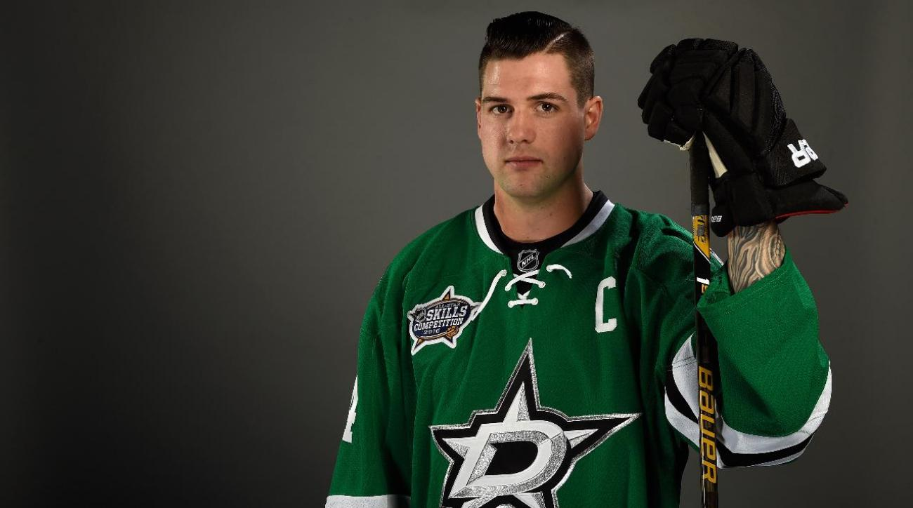 Stars sign Jamie Benn to eight-year extension