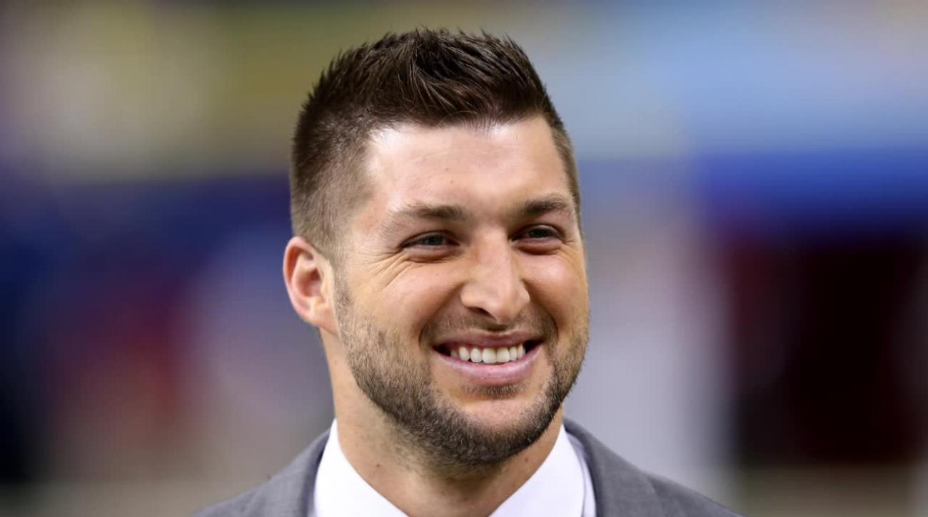 Tim Tebow considering career in coaching and politics