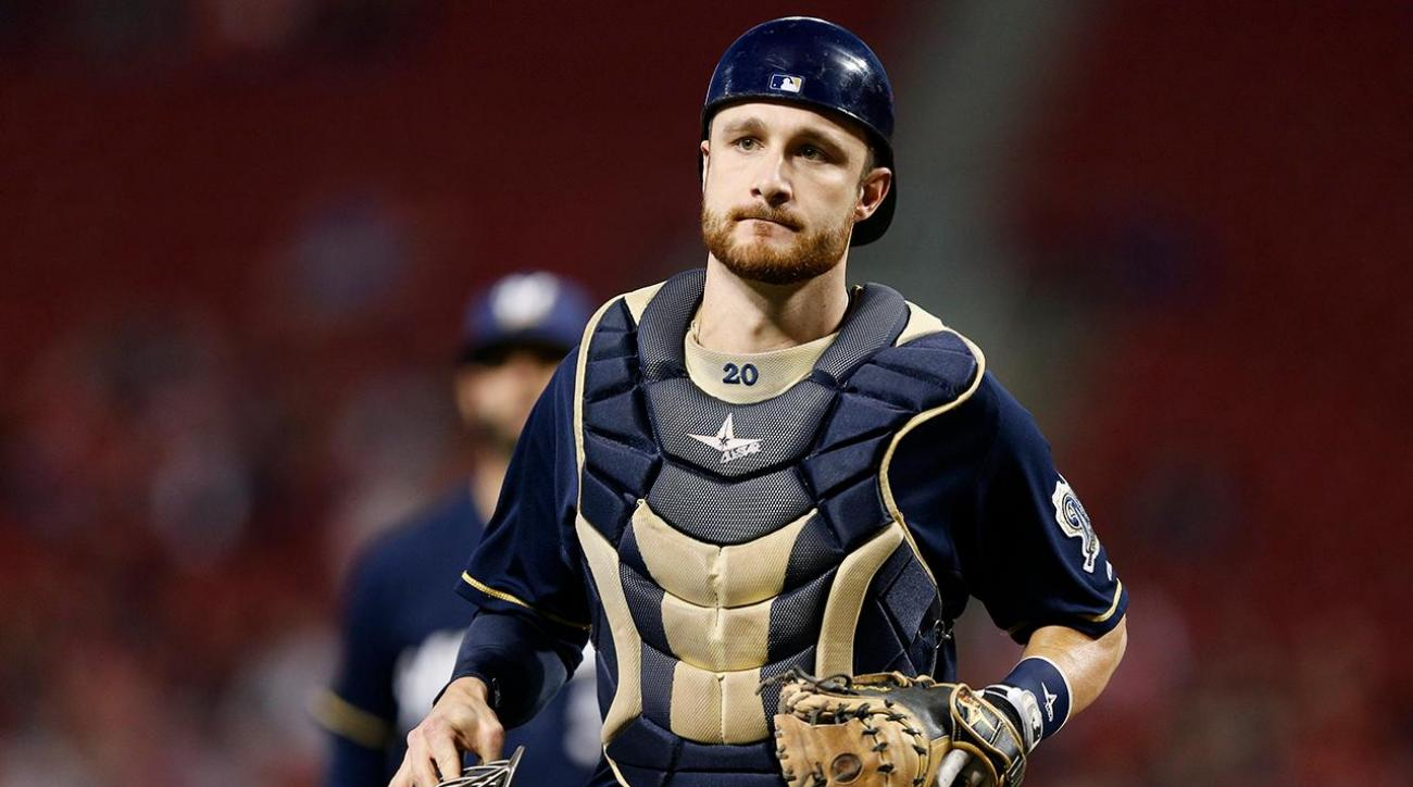Report: Rangers acquire Brewers catcher Jonathan Lucroy