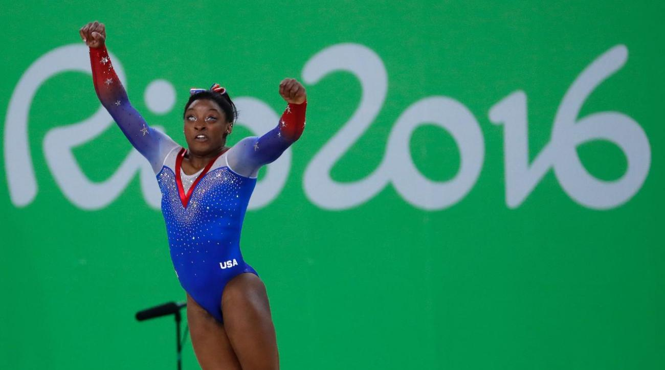 Simone Biles wins gold, Aly Raisman wins silver in floor exercise final