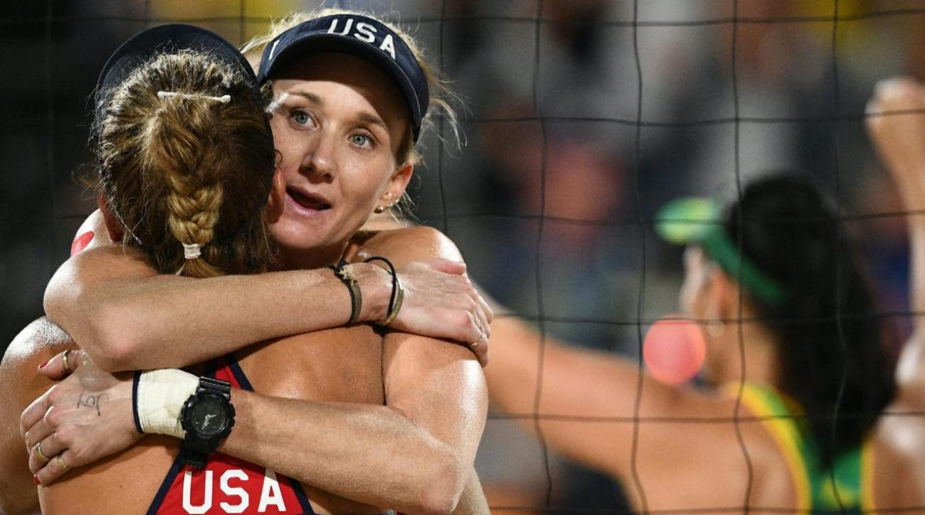 Kerri Walsh Jennings, April Ross defeated in beach volleyball semis