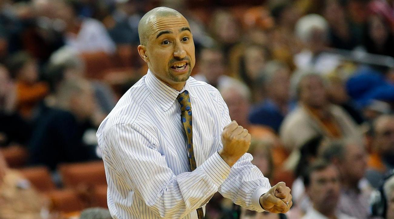 Texas basketball coach Shaka Smart receives contract extension