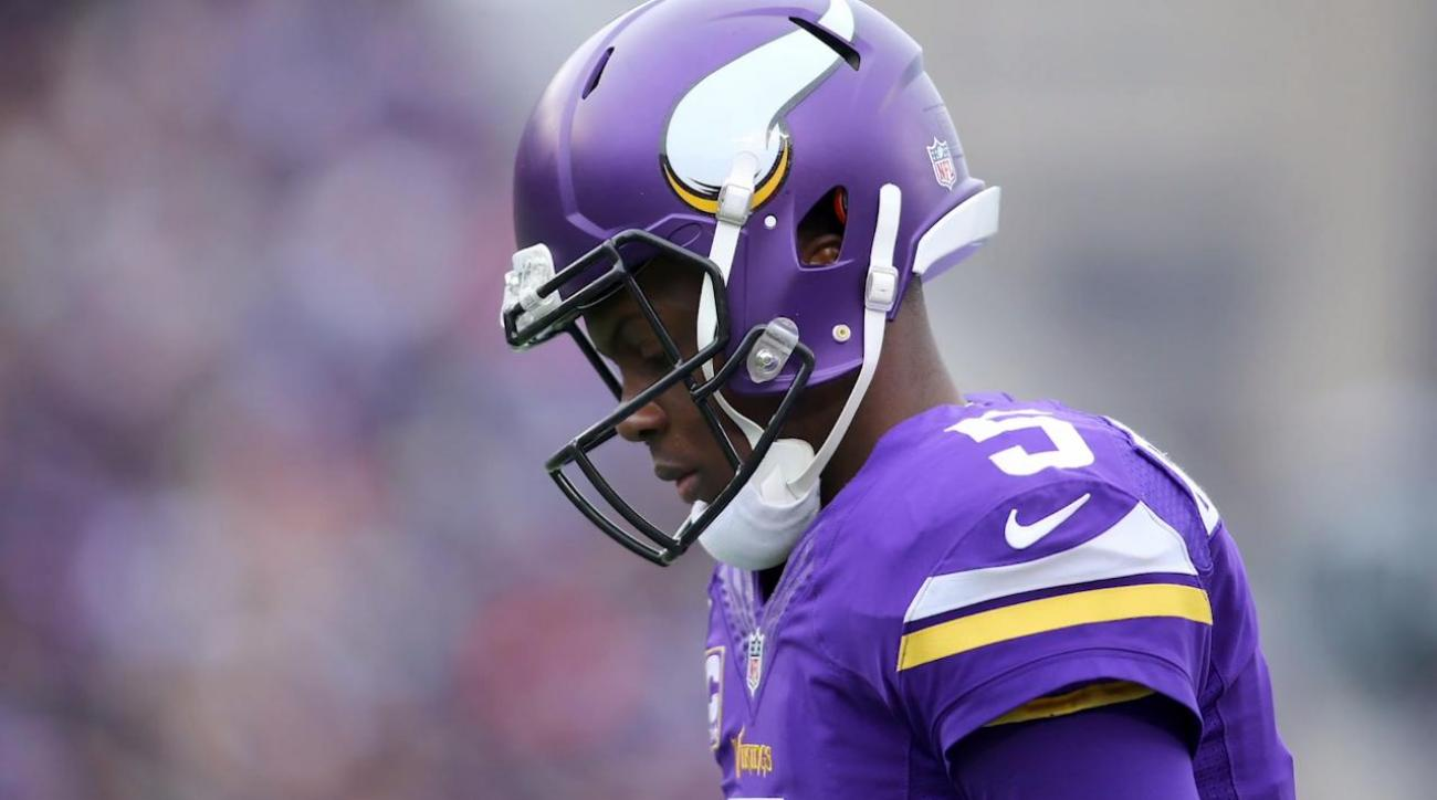Teddy Bridgewater suffers complete ACL tear in practice