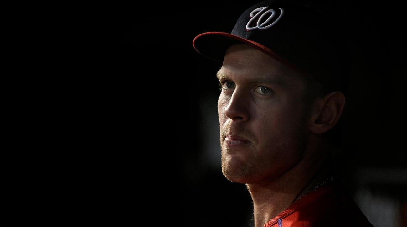 No timetable for Stephen Strasburg's return after MRI shows flexor mass strain