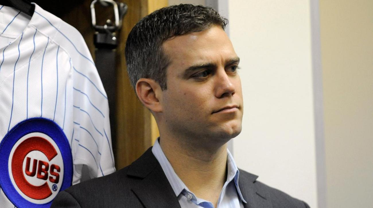 Cubs president Theo Epstein wears disguise in Wrigley Field bleachers