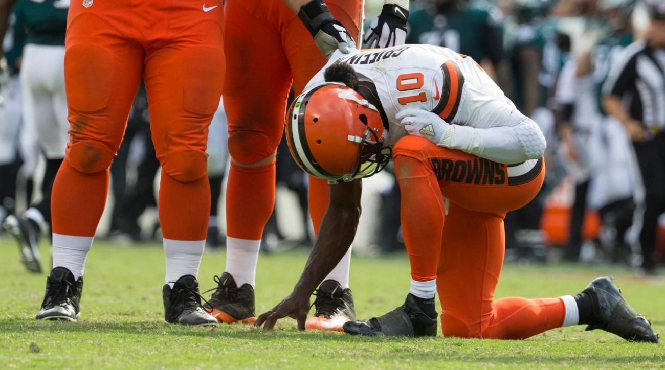 Report: Robert Griffin III could miss rest of season with shoulder injury IMAGE