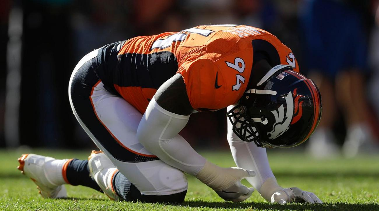 Report: Broncos' DeMarcus Ware out 3-4 weeks with fractured ulna