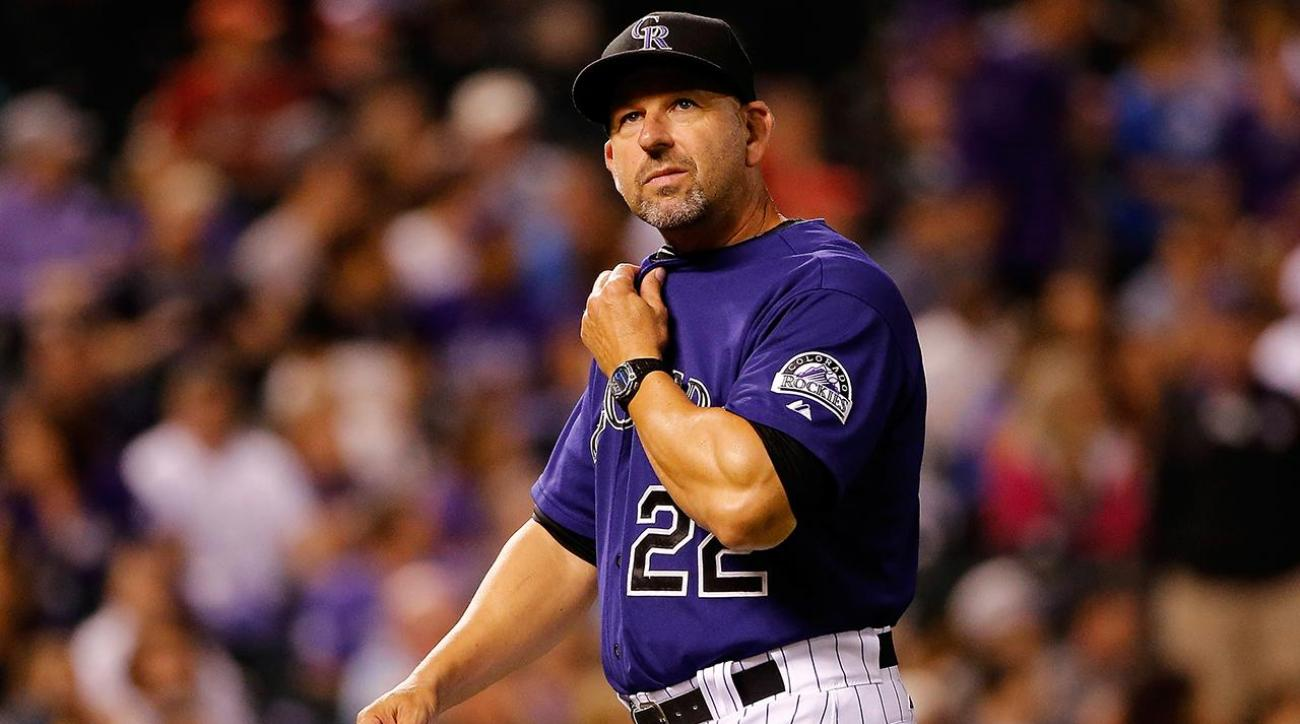 Rockies manager Walt Weiss steps down
