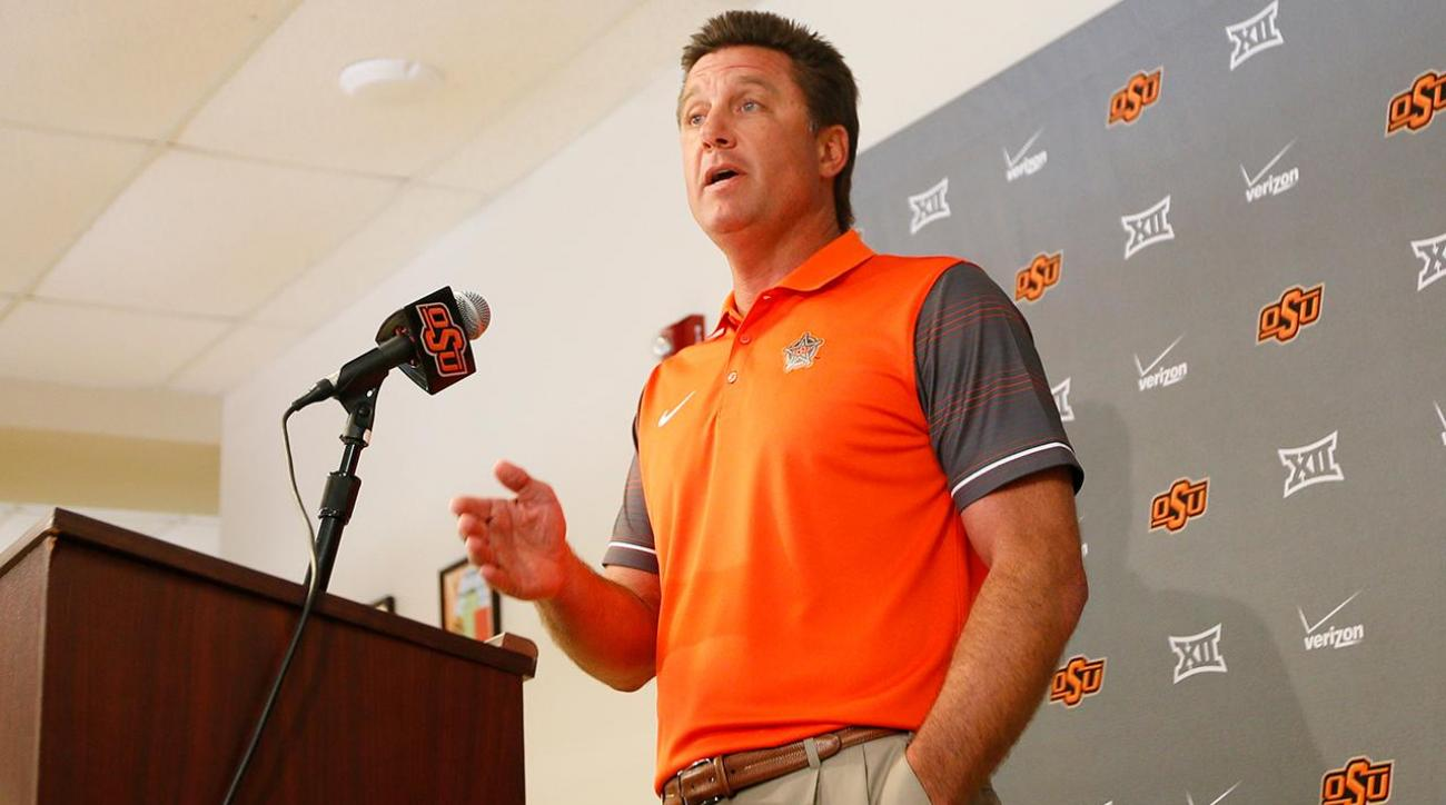 Mike Gundy thinks cell phones are making college athletes worse