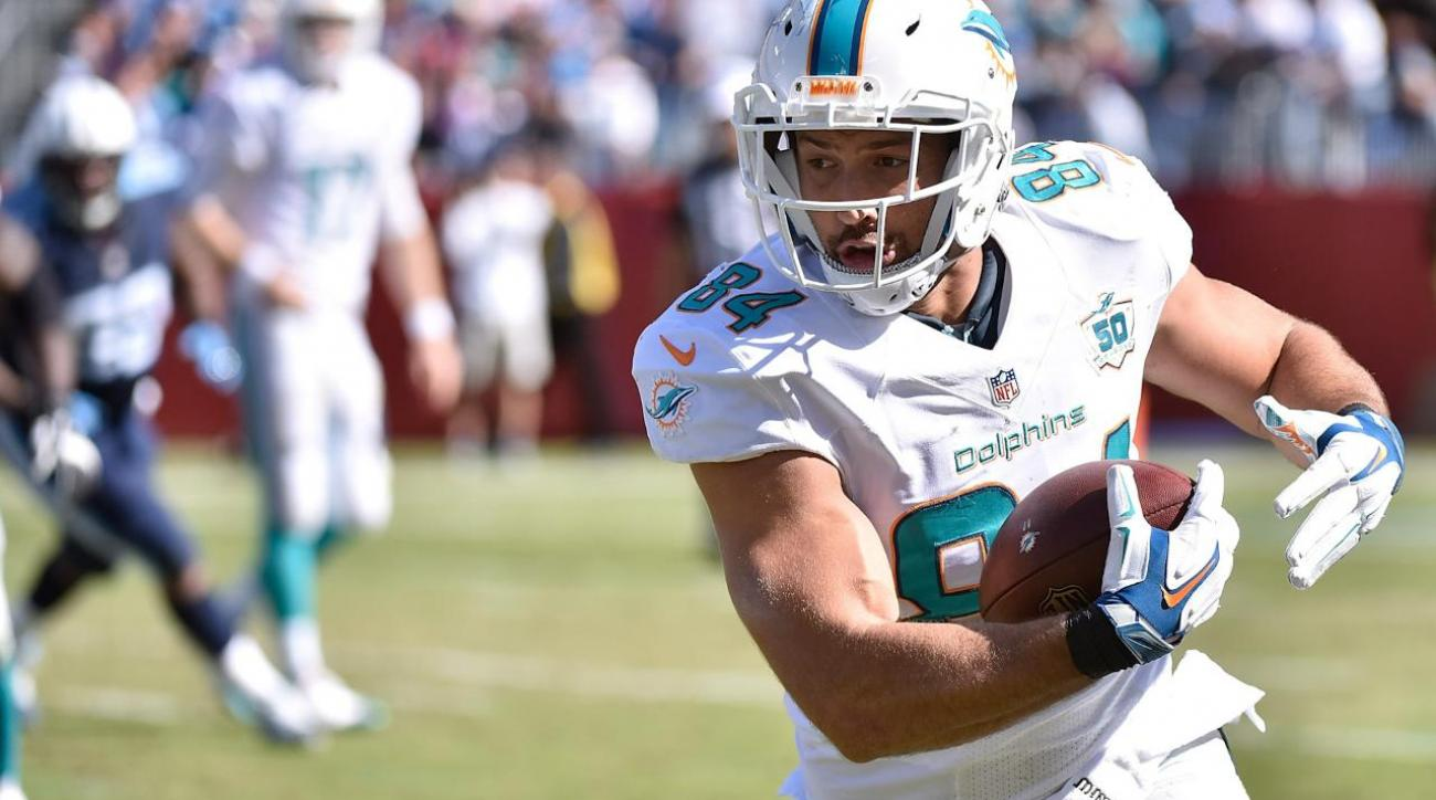 Miami TE Jordan Cameron out for season with concussions