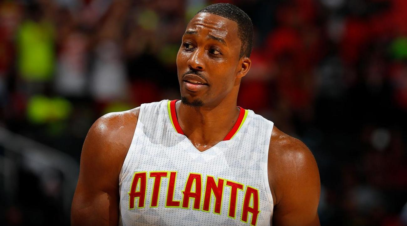 Brave Lakers fan calls out Dwight Howard to his face IMAGE