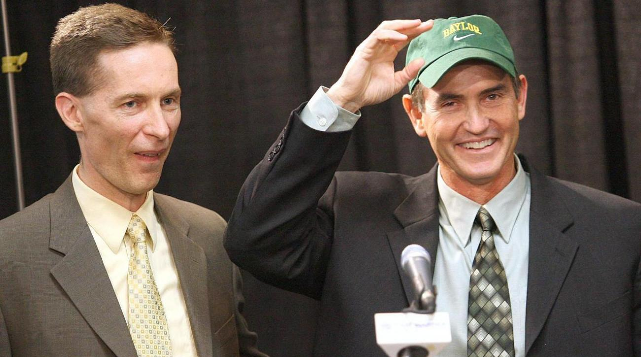 Liberty names former Baylor AD Ian McCaw new athletic director