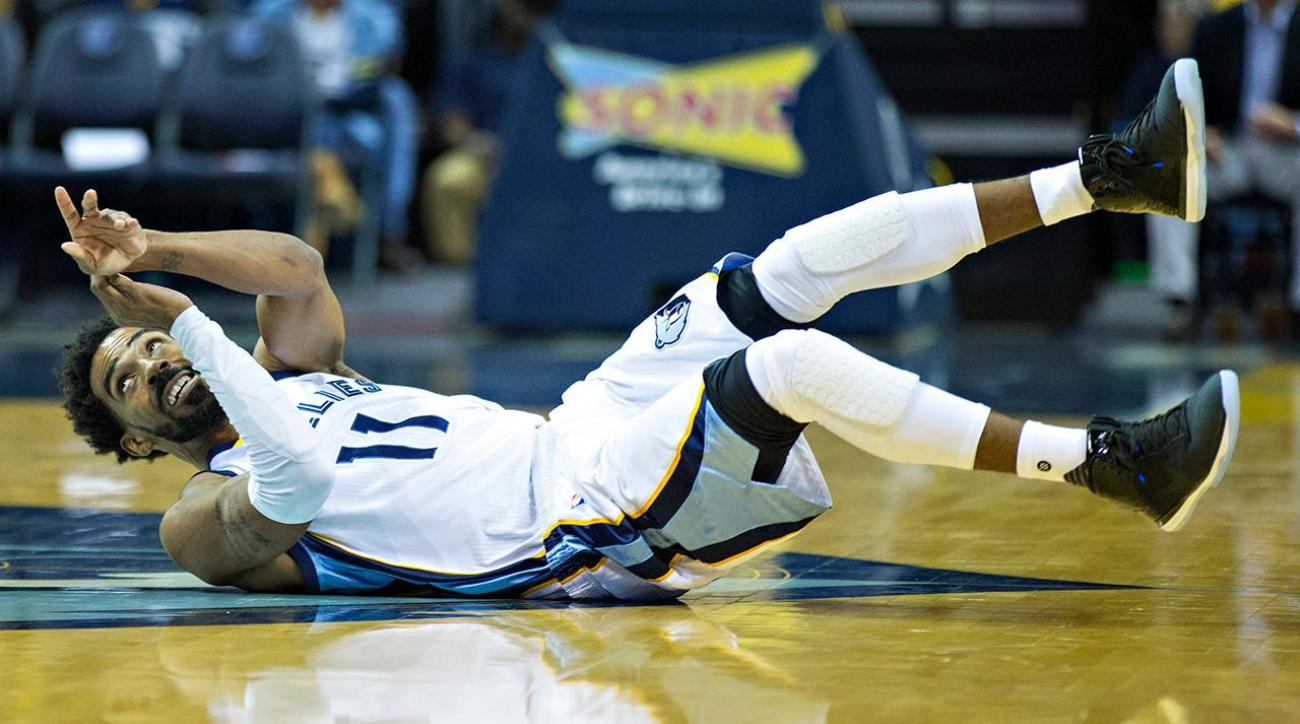 Report: Grizzlies' Mike Conley out six weeks with back fractures
