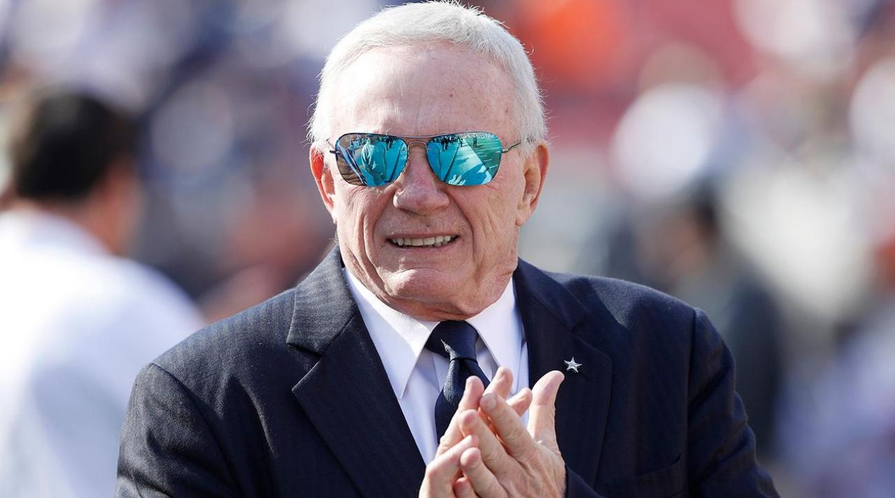 Jerry Jones admits to stirring Cowboys QB controversy
