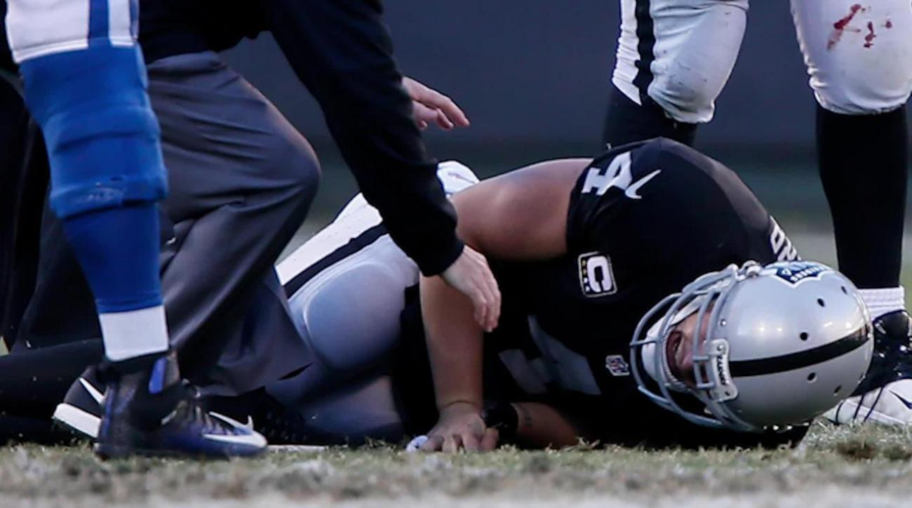 Raiders QB Derek Carr out 6-8 weeks IMAGE