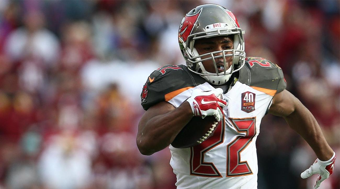 Buccaneers RB Doug Martin enters drug treatment facility, suspended four games