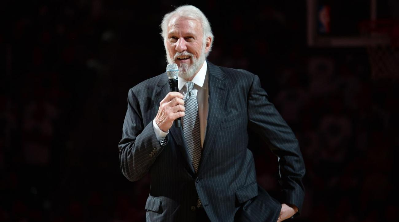 Gregg Popovich gives tie he wore to Craig Sager's funeral to Craig Jr.
