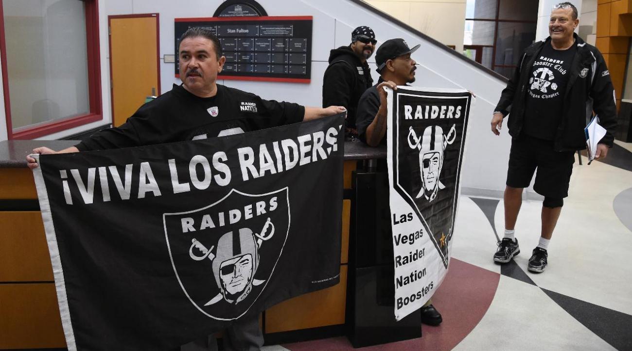 Sheldon Adelson withdraws $650 million investment in Las Vegas Raiders stadium