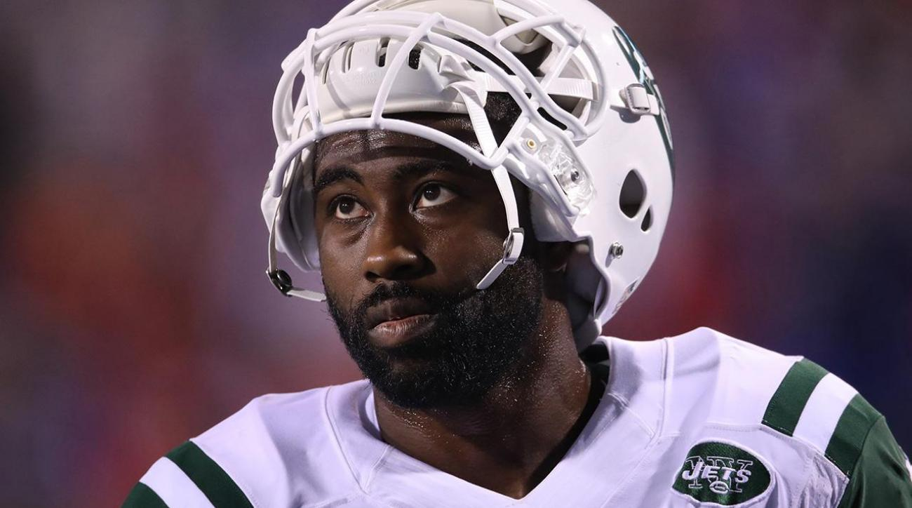 Darrelle Revis turns himself in to Pittsburgh police