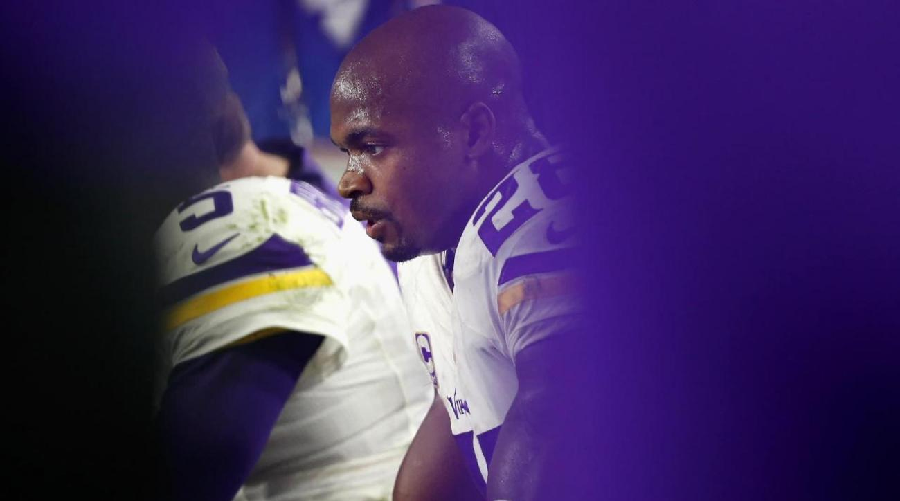 Adrian Peterson will hit free agency after Vikings decline his option
