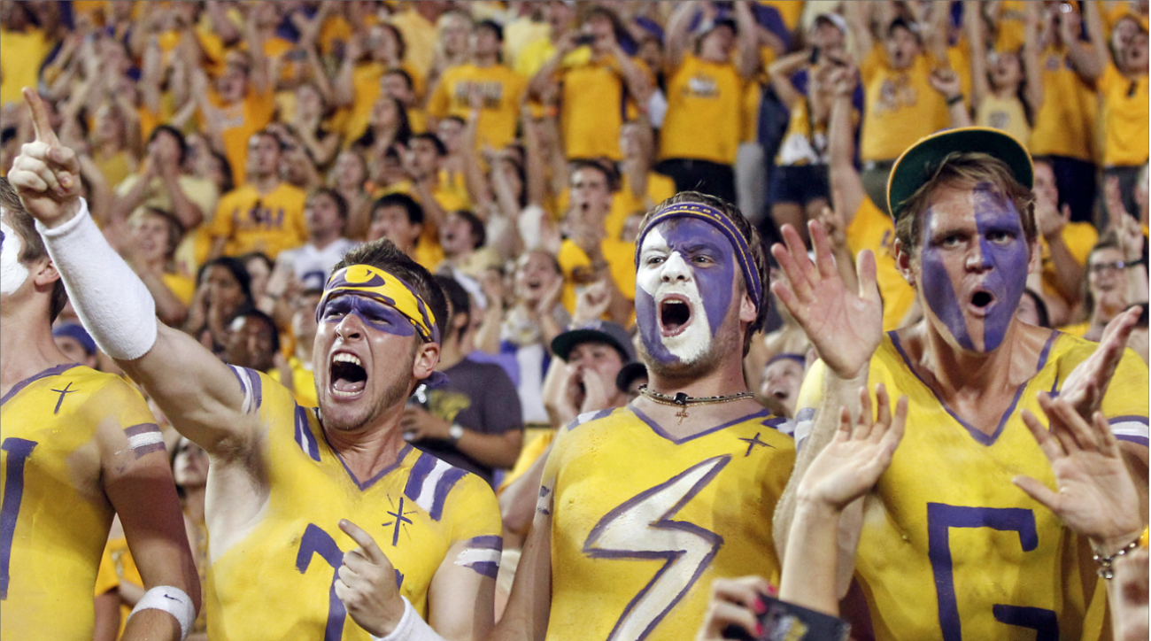 #DearAndy: Playoff system, early Heisman contenders, and the top college atmospheres