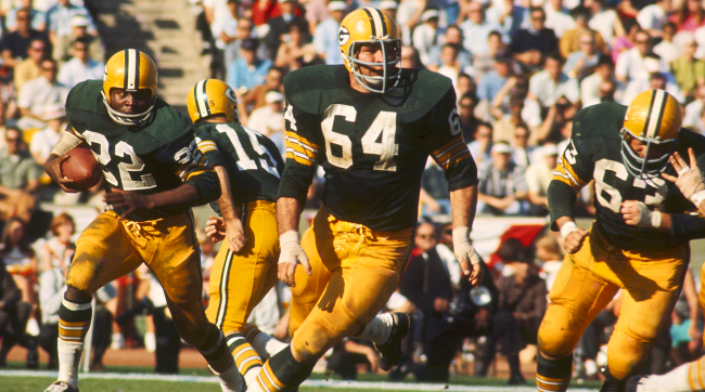 Jerry Kramer sets a lead block in Super Bowl I.