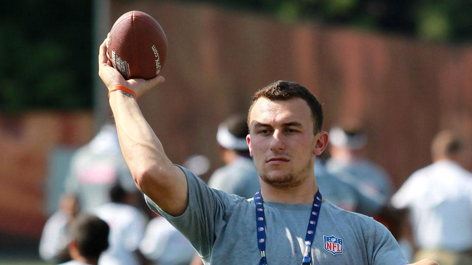 Browns rookie quarterback Johnny Manziel participates in a Play 60 event at the team's headquarters.