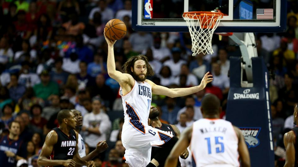 Report: Josh McRoberts to sign with Miami Heat