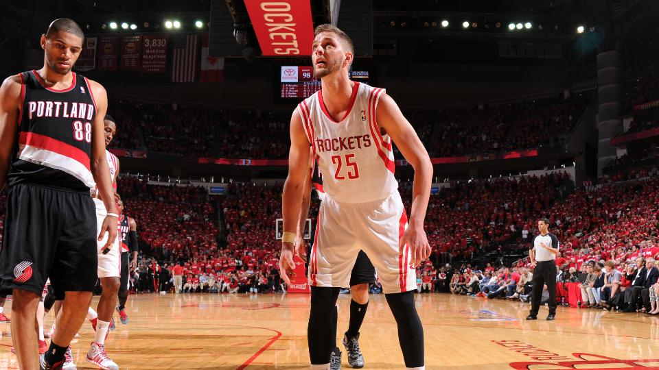 Report: Cavaliers target Chandler Parsons as backup for LeBron James