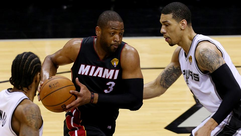 Dwyane Wade re-signs with Heat on two-year deal