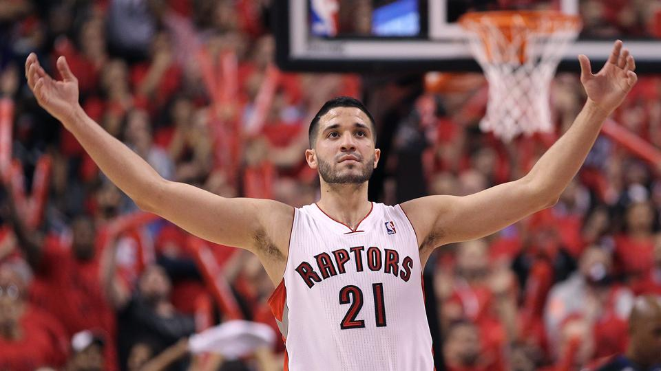 Reports: Raptors agree to re-sign Greivis Vasquez to 2-year contract