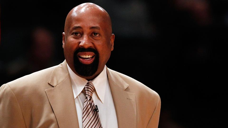 Report: Clippers add former Knicks coach Mike Woodson to staff