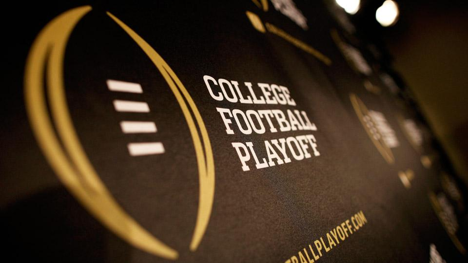 Comparing college football national title odds to real-life happenings