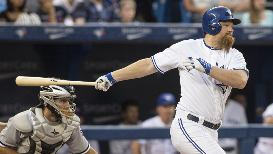 Blue Jays place designated hitter Adam Lind on DL with foot fracture