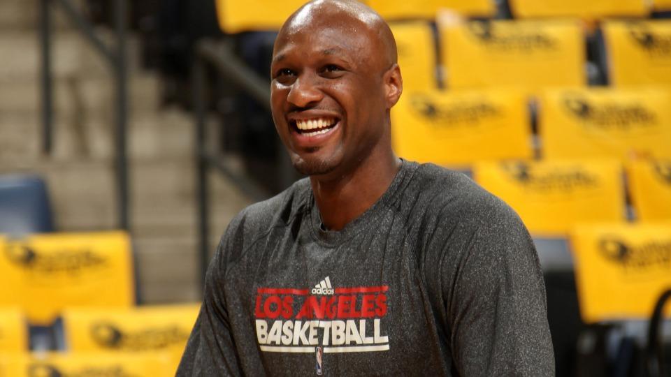 Knicks release former Laker, Clipper Lamar Odom