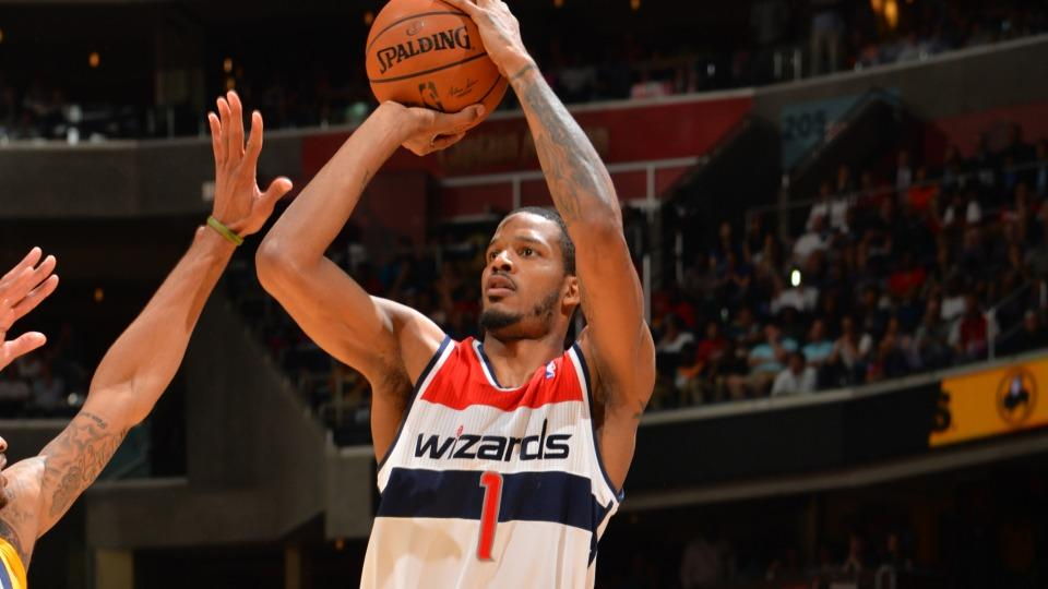 Report: Rockets get Ariza in three- team trade, send Asik to Pelicans